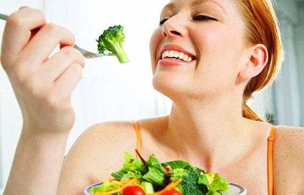 Chế độ ăn nhiều rau xanh giúp chống hóa da tuổi 30