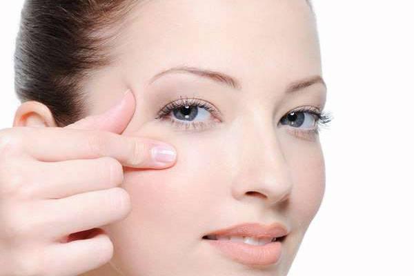 Làm đẹp với căng da mặt có hại không?